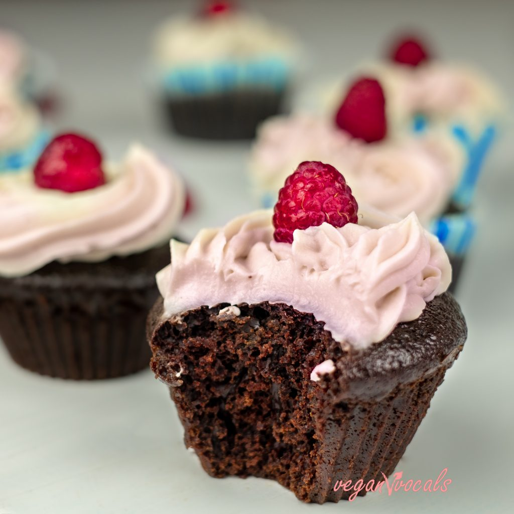 YUMMY CHOCOLATE CUPCAKES with our Amazing Classic Vegan Whipped Cream - So Creamy