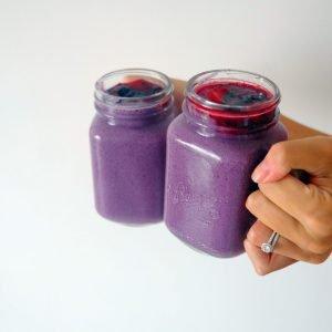 So healthy purple vegan spinach smoothie