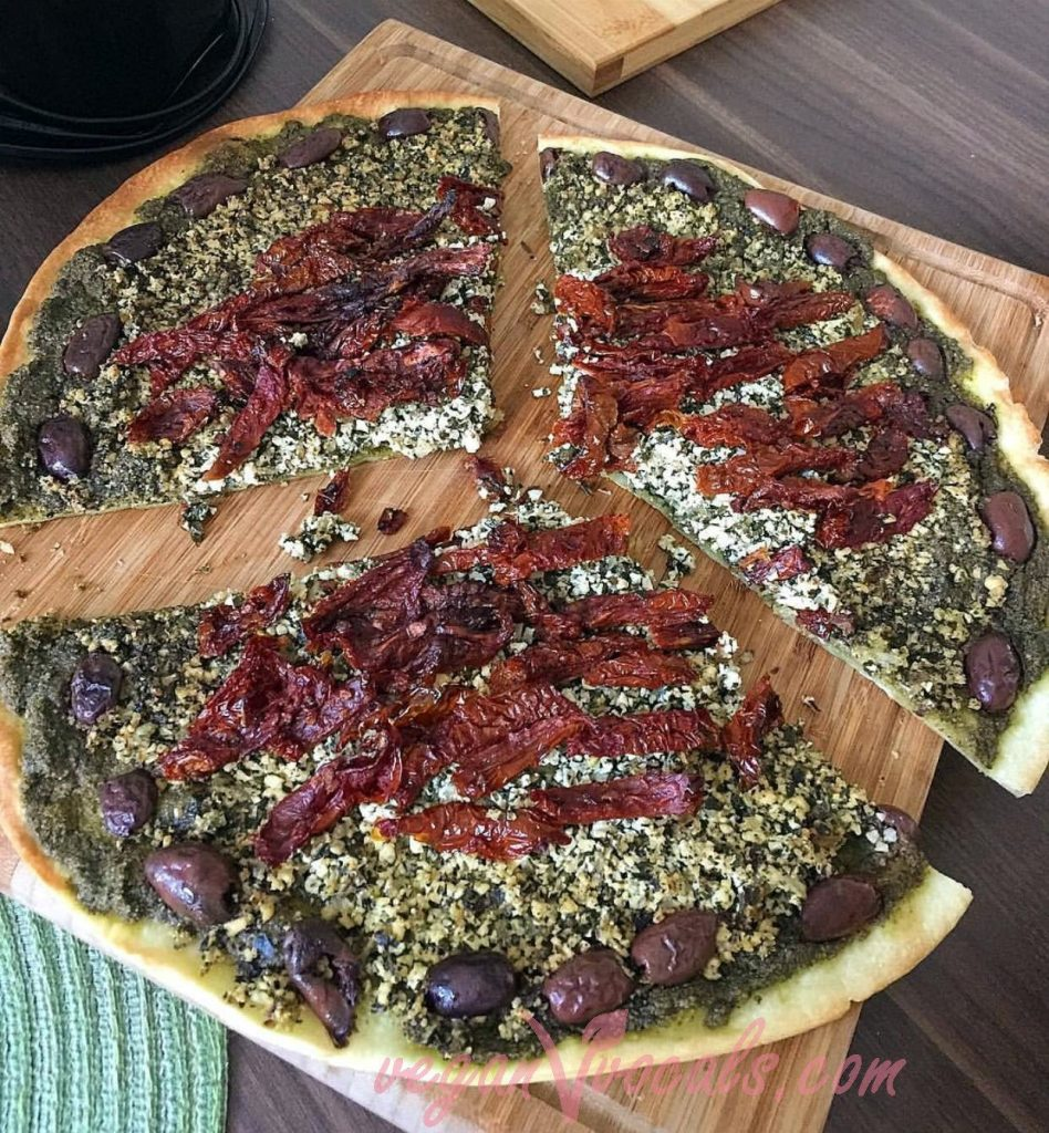 Vegan Pesto Sauce on vegan pizza