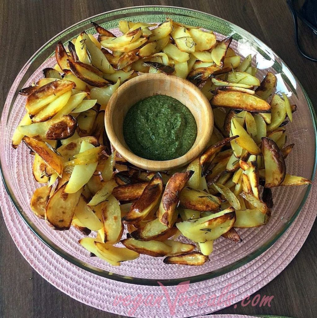 Vegan Pesto Sauce with baked potatoes