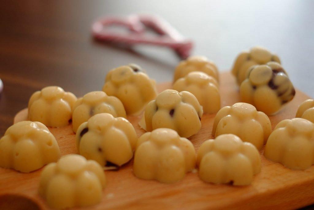 Vegan White Chocolate Pralines