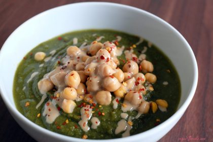 Sopa Verde Vegana Rápida y Fácil (100% hecha de Alimentos Integrales)