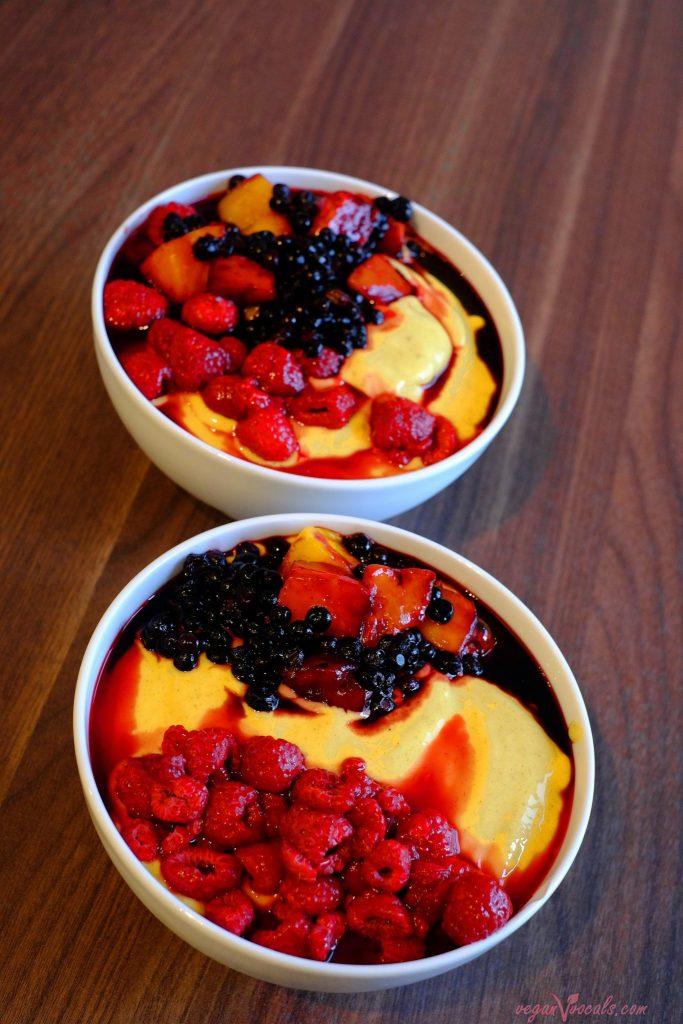 The Best Mango Smoothie Bowl