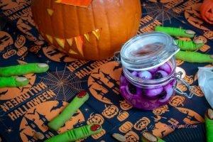 Halloween Vegan Monster Eyeballs