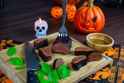 Filetes de Lomo de Seitan Marinados en Salvia y Ron (Halloween special)