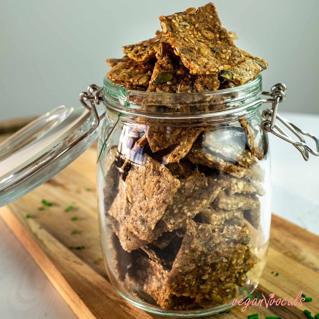SEEDED GLUTEN-FREE CRACKERS FROM VEGANVVOCALS