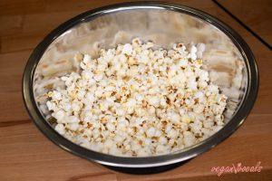 Vegan Salted Caramel Popcorn