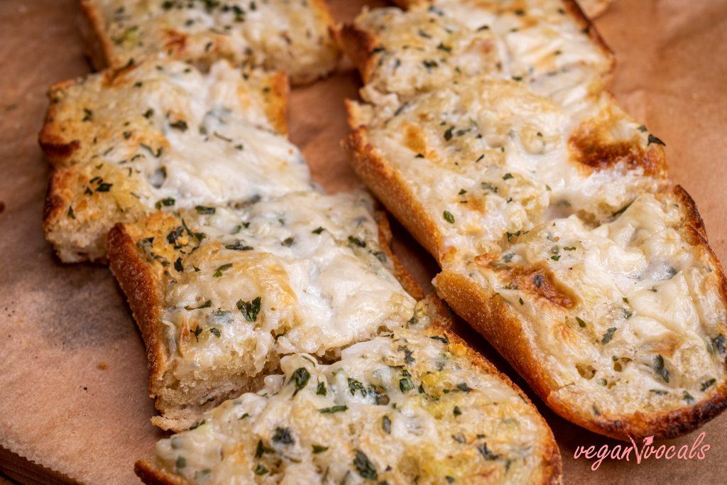 The Best Vegan Garlic Cheesy Bread