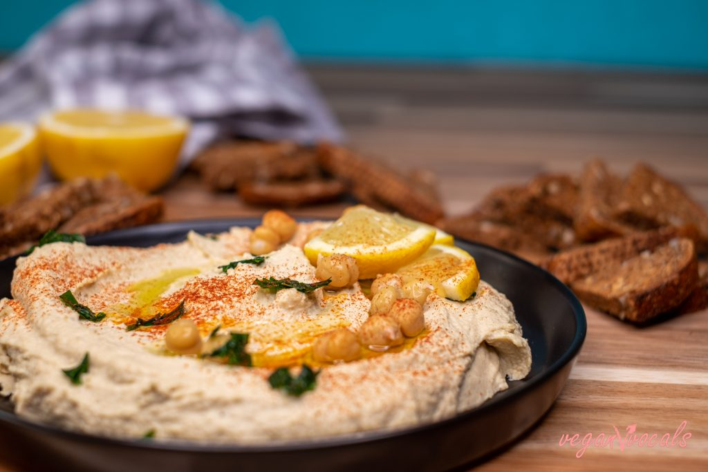 The Best Hummus Recipe That Exists