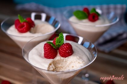 The Best Vegan White Chocolate Vanilla Mousse
