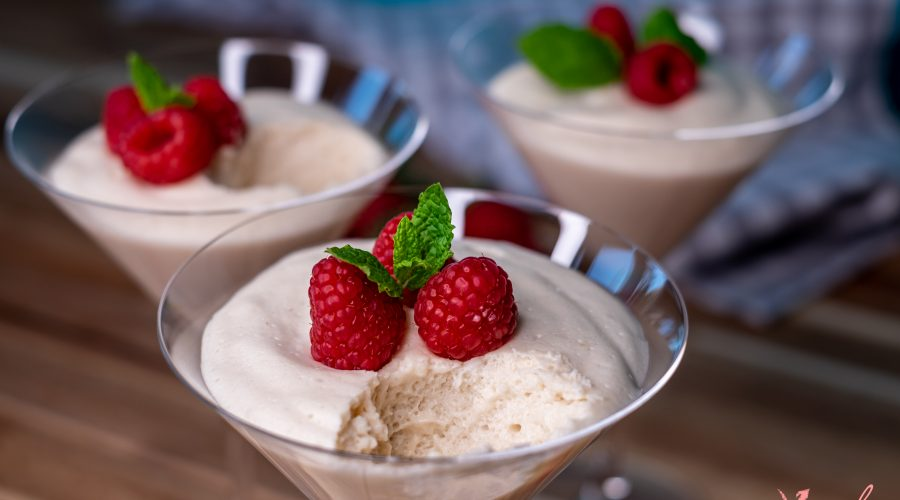 The Best Vegan White Chocolate Vanilla Mousse