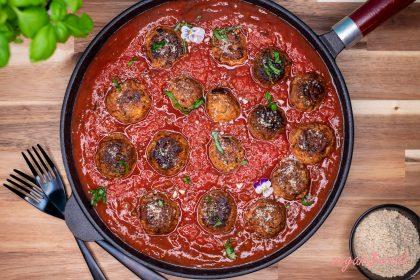 Vegan Italian Meatballs in Rustic Tomato Sauce
