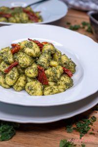 Vegan Nut-Free Kale Pesto (Healthy & Low-Fat)