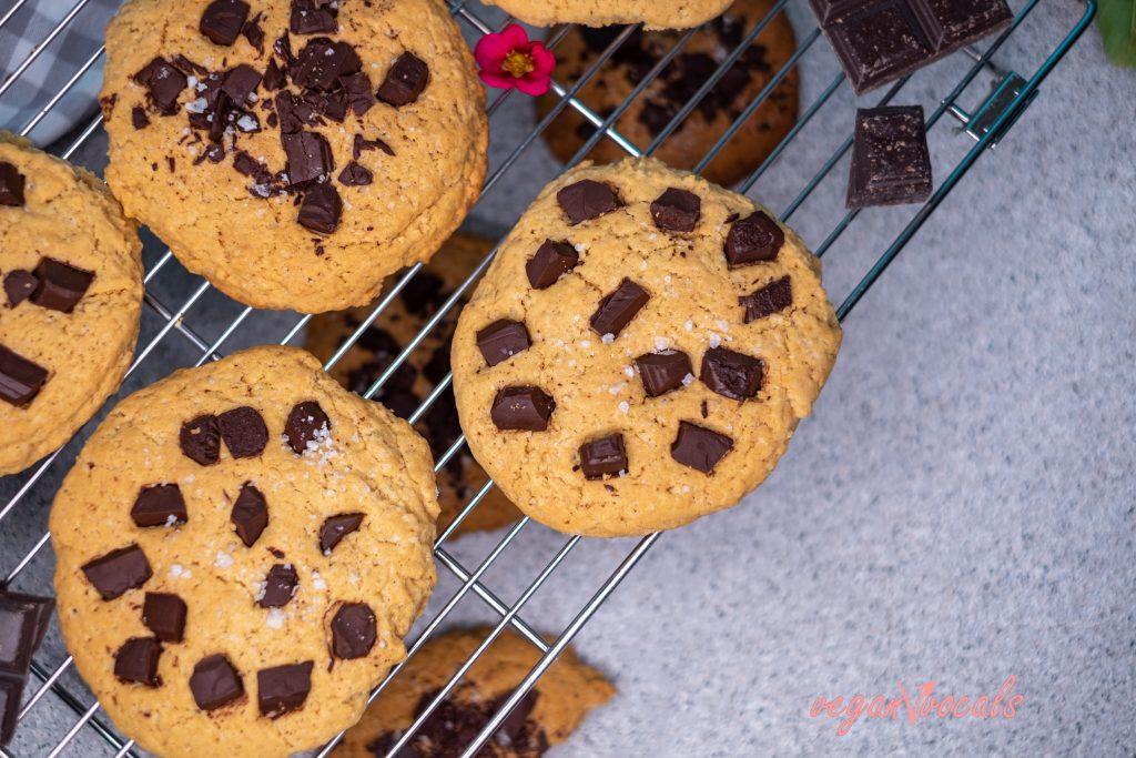 Giant Bakery-Style Vegan Chocolate Chip Cookies