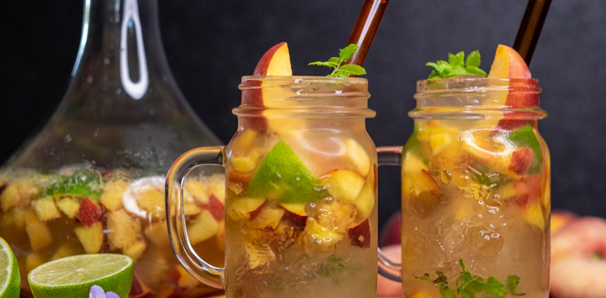 The Best Vegan & Low-Calorie Peach Mojitos