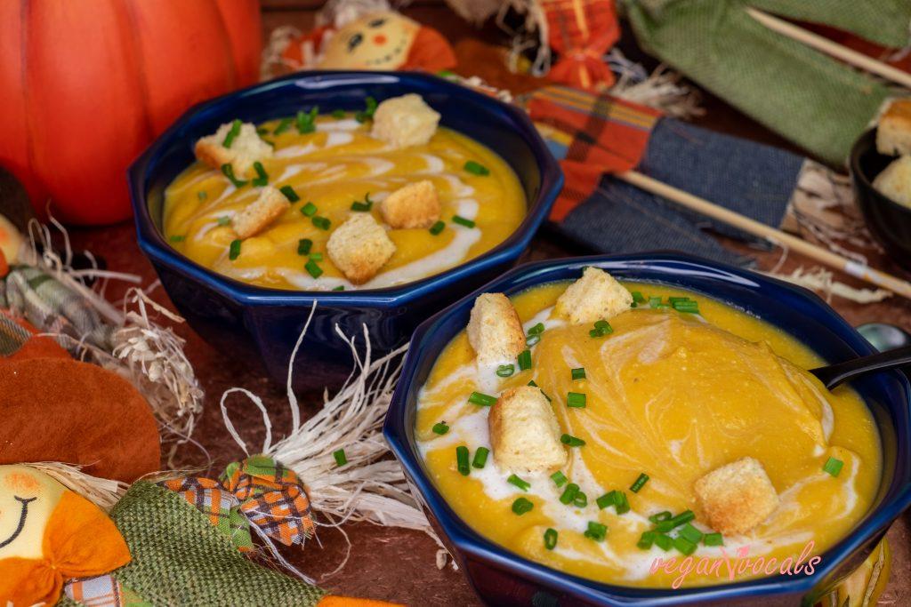 Creamy Vegan Roasted Pumpkin Cheese Soup